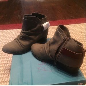 Blowfish Chocolate brown boots. New in boxSize 7.5